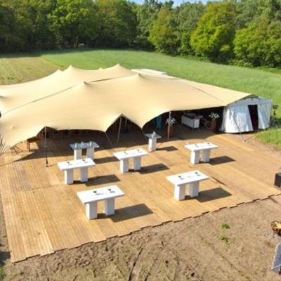 Bekijk de tenten